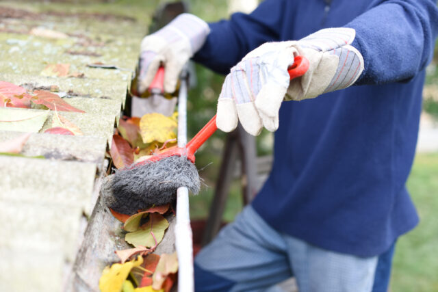 CLEANING YOUR GUTTERS